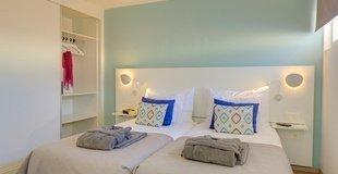 Suite estándar vista jardín Hotel Coral Ocean View
